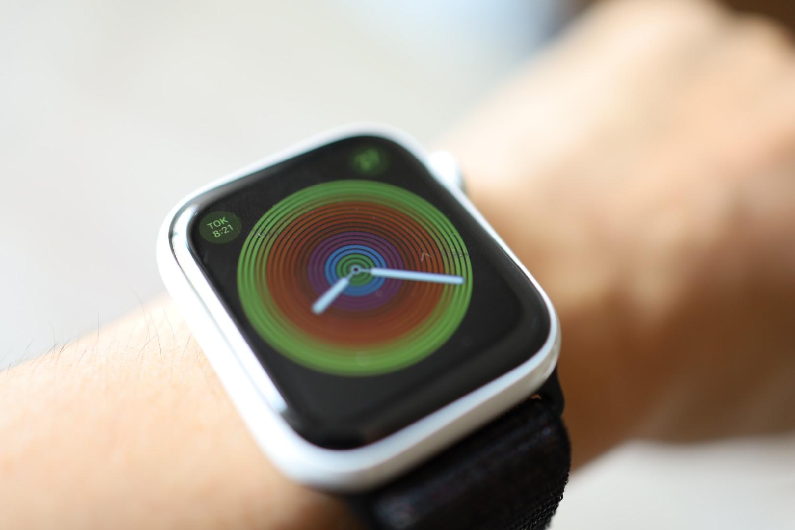 アップルウォッチ 6・5の充電時間はどれくらいかかる? 遅いときの対処方法も